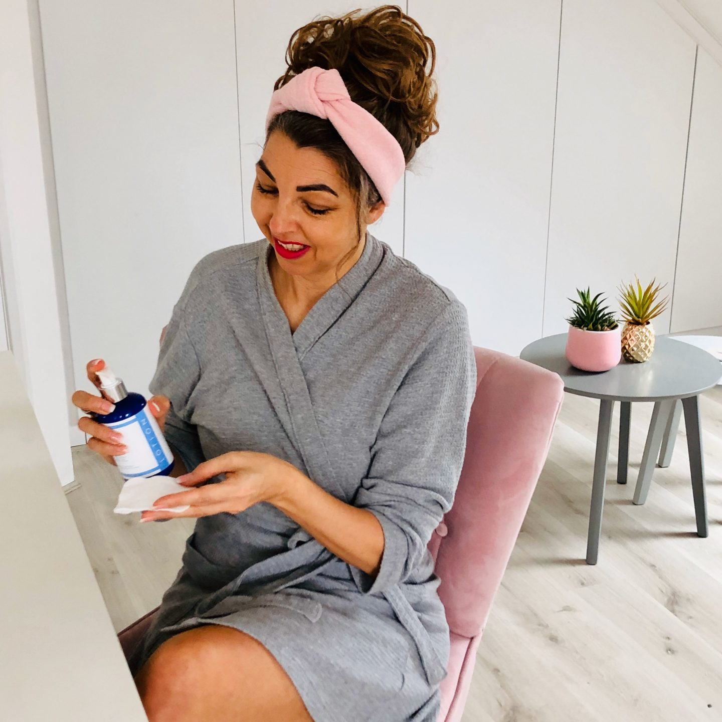 SKIN CHEMISTS – ADVANCED BRIGHTENING SKINCARE: REVIEW